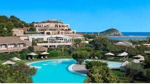 L'hotel Chia Laguna Resort in Sardegna