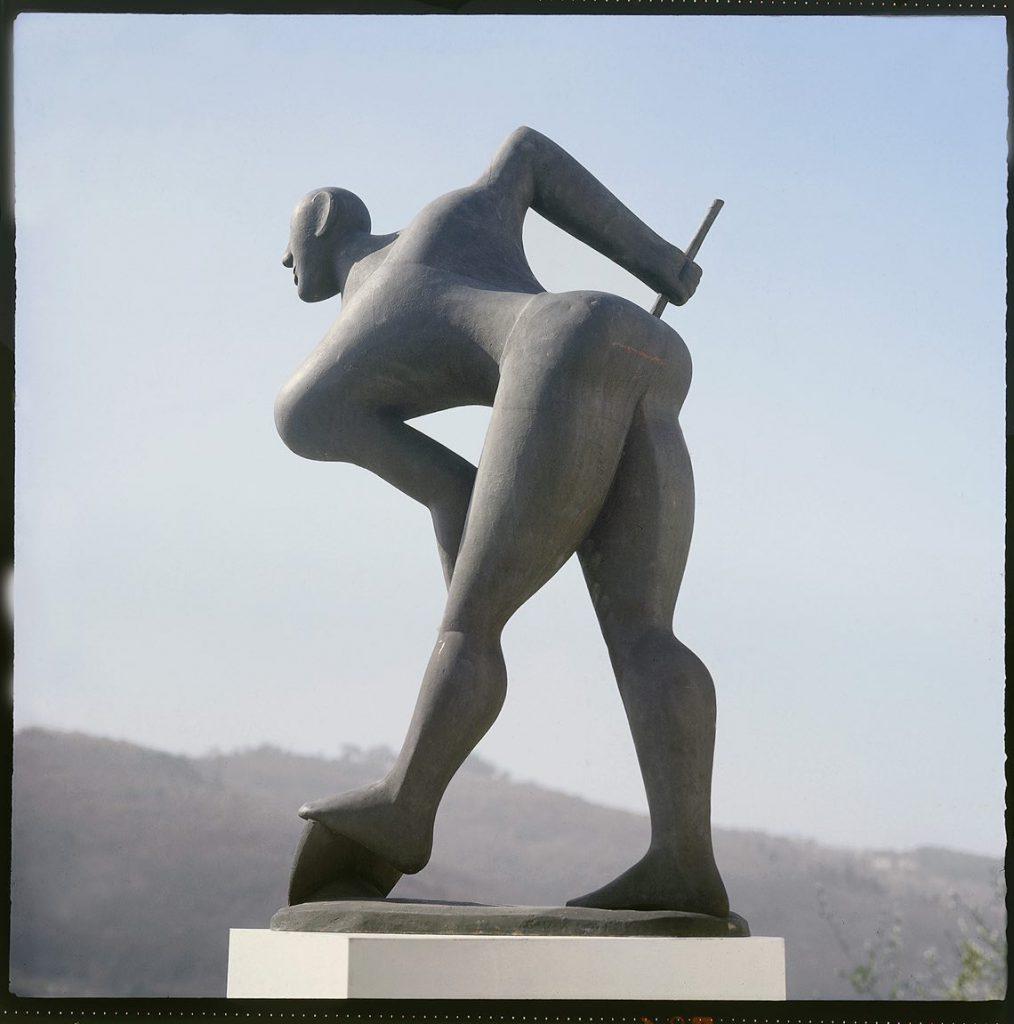 Marcello Guasti, Renaiolo al lavoro, bronzo, 1956.bassa