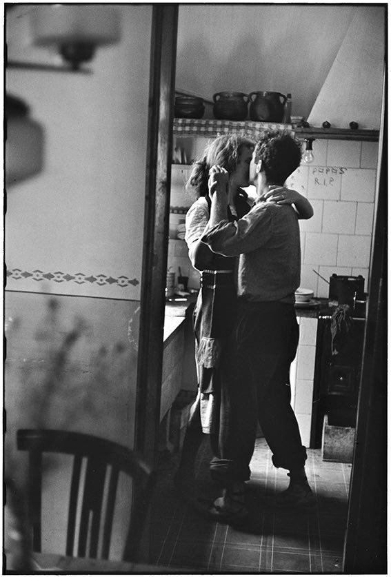 Autore: Elliott Erwitt Valencia, Spagna, 1952 © Elliott Erwitt