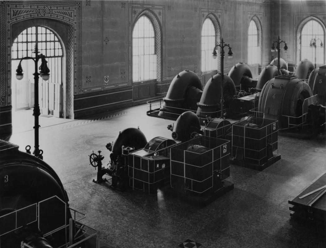 Francesco Radino_Sala macchine della centrale Esterle_1985_Cornate d'Adda_Archivio storico fotografico Aem_Fondazione Aem-Gruppo A2A_Milano