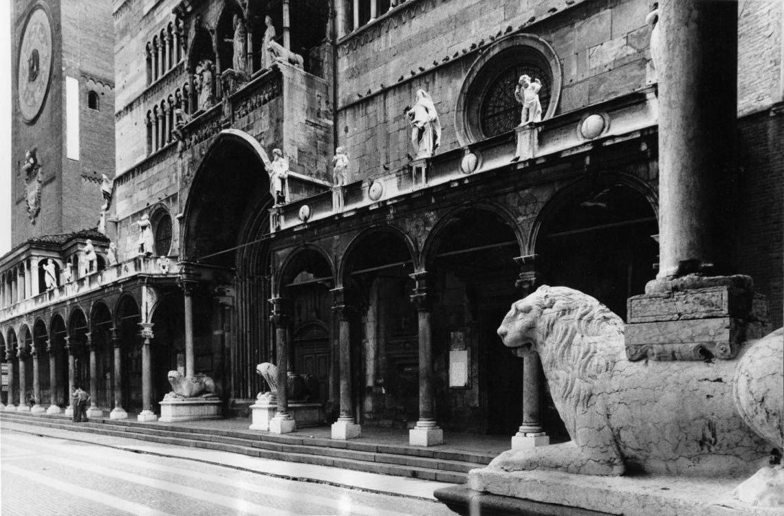 Gianni Berengo Gardin_Facciata del Duomo di Cremona_1985_Archivio storico fotografico Aem_Fondazione Aem-Gruppo A2A_Milano