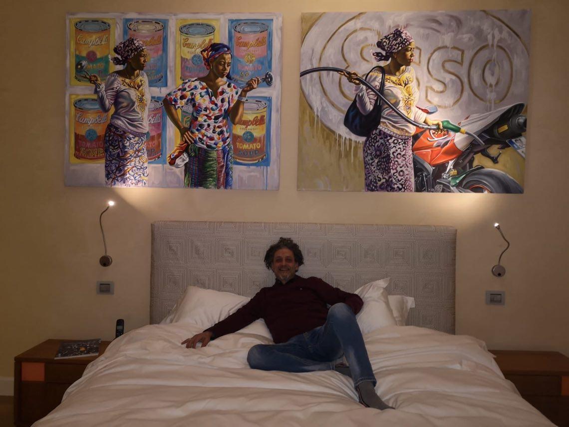 Stanza di Ali Hassoun con l'artista