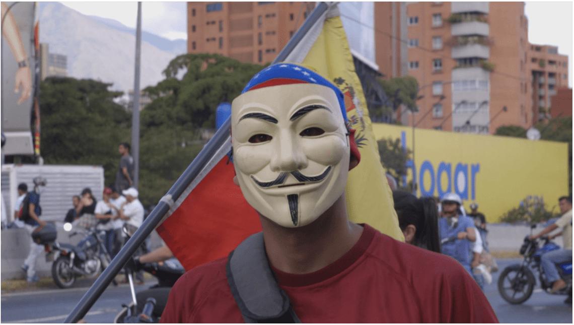 Un fotogramma del film Venezuela, la maledizione del petrolio