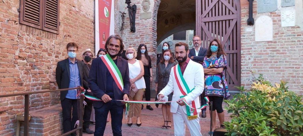 Paolo Campinoti, Sindaco di Gambassi Terme e Giacomo Cucini, Sindaco di Certaldo e delegato alla cultura per l'Unione dei Comuni Circondario dell'Empolese Valdelsa, all'inaugurazione della mostra Stoner. Lan