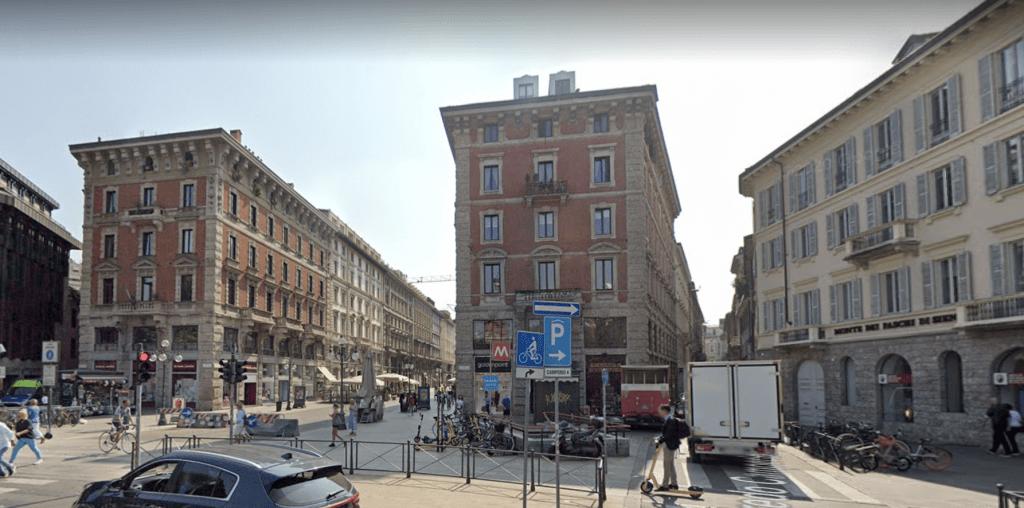 Milano, via Dante angolo via Camperio