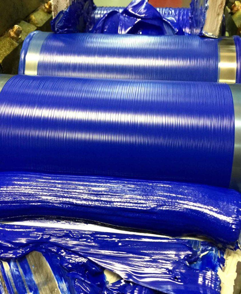 YInMn vernice blu in fase di fresatura. Foto per gentile concessione di Derivan Matisse